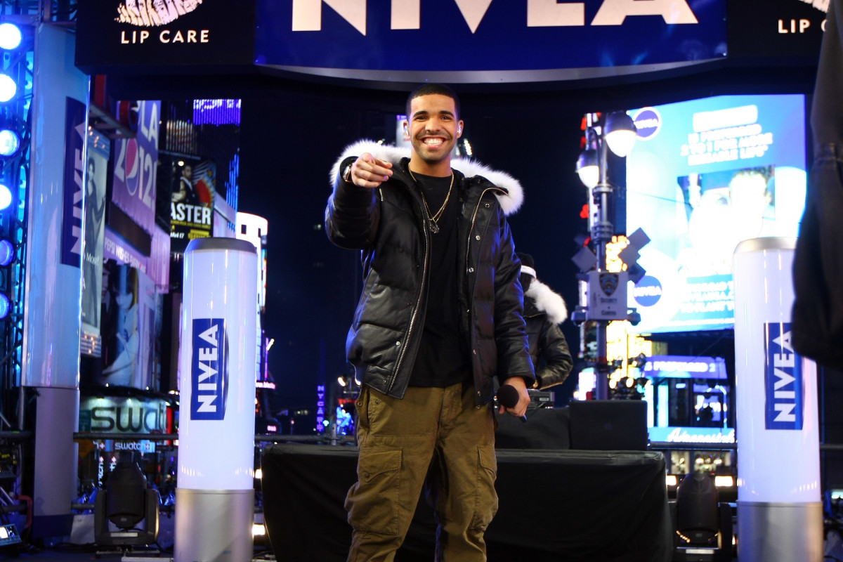Drake models his $5,000 fox fur trimmed OVO x Canada Goose Chilliwack puffer in 2012. Photo: Neilson Barnard/Getty Images