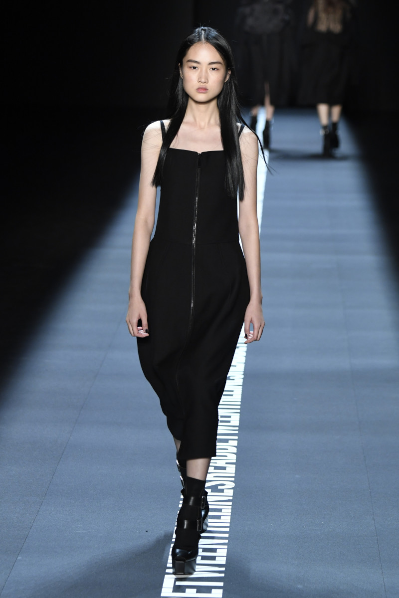 A look from Vera Wang's spring 2017 collection. Photo: Getty Images