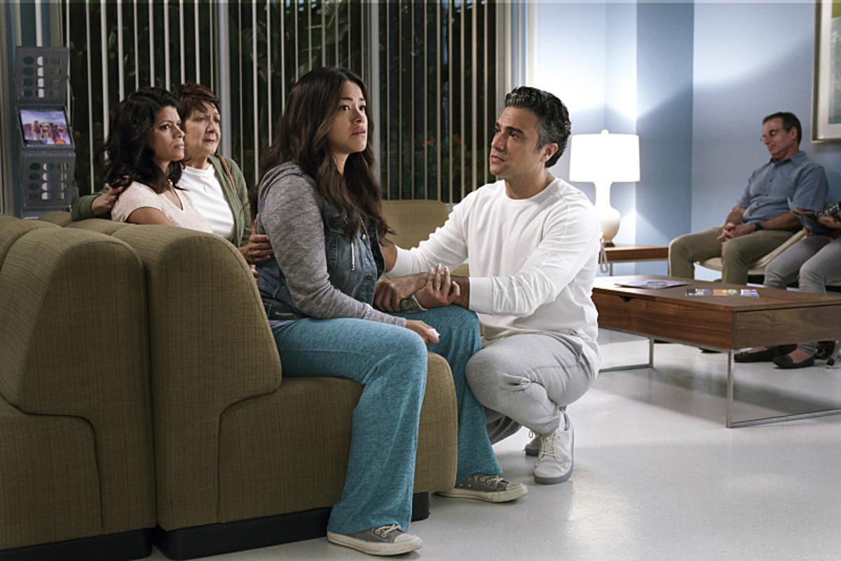 Alba (Ivonne Coll),Xo (Andrea Navedo),Jane (Gina Rodriguez) and as Rogelio (Jaime Camil) await Michael's fate. Photo: Michael Desmond/The CW
