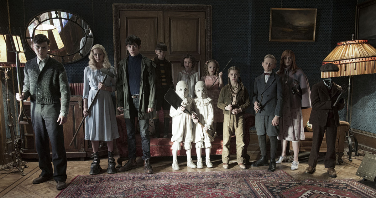 Let's do this. Left to right: Enoch (Finlay Macmillan), Emma (Ella Purnell), Jake (Asa Butterfield), Hugh (Milo Parker), Bronwyn (Pixie Davies), the twins (Thomas and Joseph Odwell), Claire (Raffiella Chapman), Fiona (Georgia Pemberton), Horace (Hayden Keeler-Stone), Olive (Lauren McCrostie), and Millard (Cameron King) Photo: Jay Maidment.