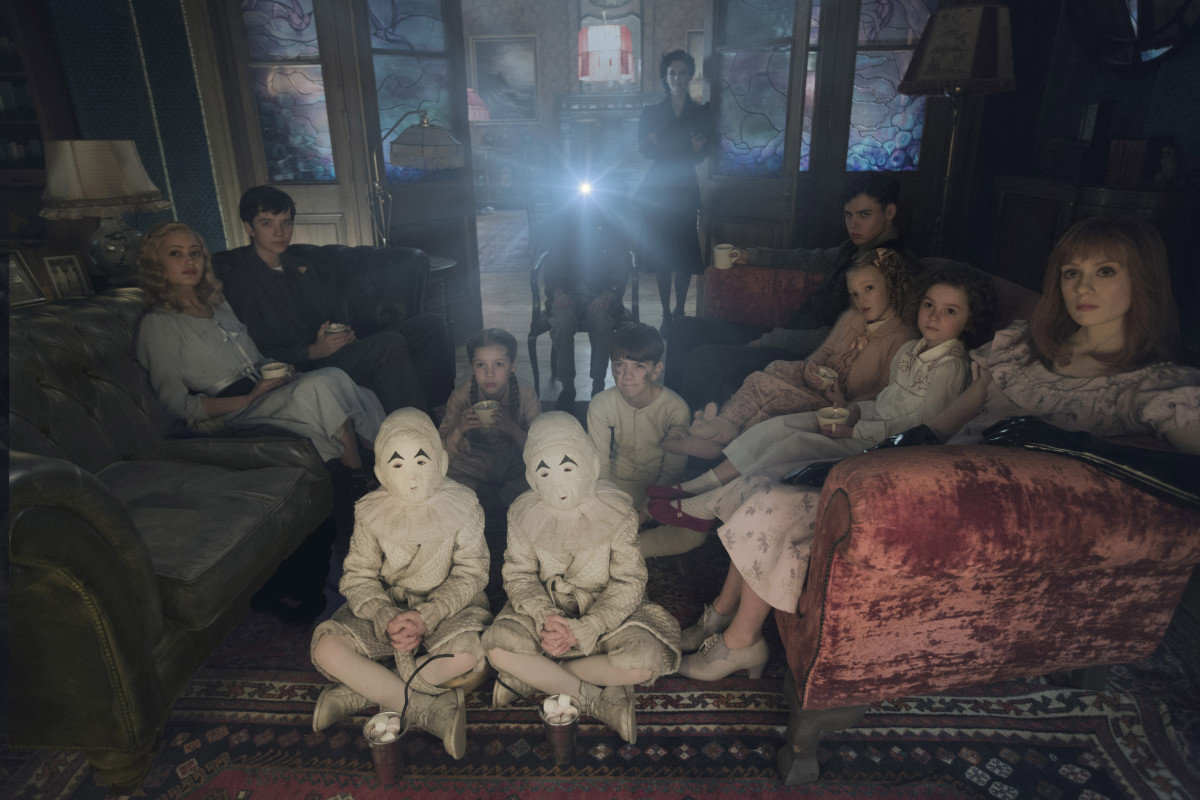 Terrifying. Seated on the floor: the twins (Thomas and Joseph Odwell), Fiona (Georgia Pemberton) and Hugh (Milo Parker), Left to right: Emma (Ella Purnell), Jake (Asa Butterfield), Horace (Hayden Keeler-Stone), Miss Peregrine (Eva Green), Enoch (Finlay Macmillan), Claire (Raffiella Chapman), Bronwyn (Pixie Davies) and Olive (Lauren McCrostie). Photo Credit: Leah Gallo.