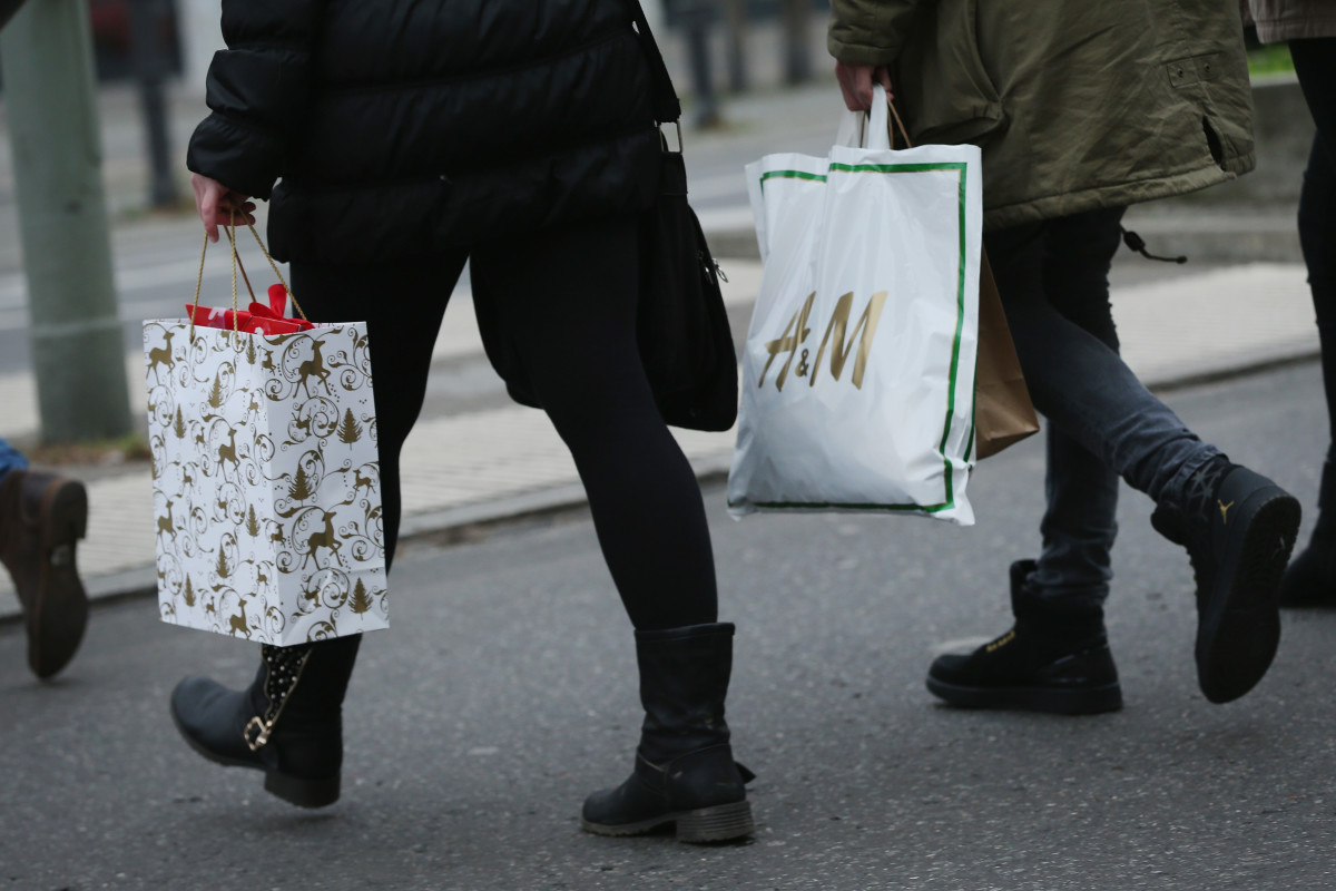 Holiday shoppers. Photo: Sean Gallup/Getty Images