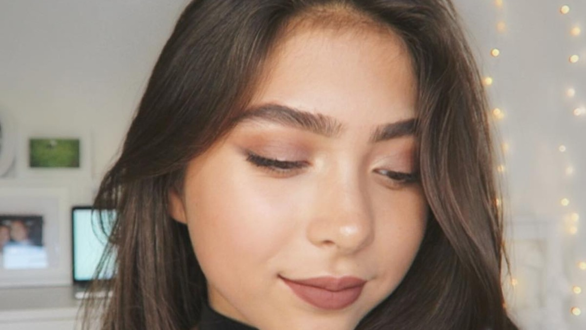 This makeup tutorial from the 60s is surprisingly informative a subtle but super pretty party makeup tutorial to try this weekend baditri Choice Image