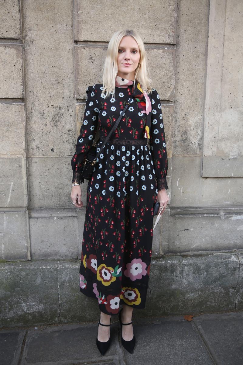 Laura Brown on the street during Paris Fashion Week. Photo: Mireya Acierto/Getty Images