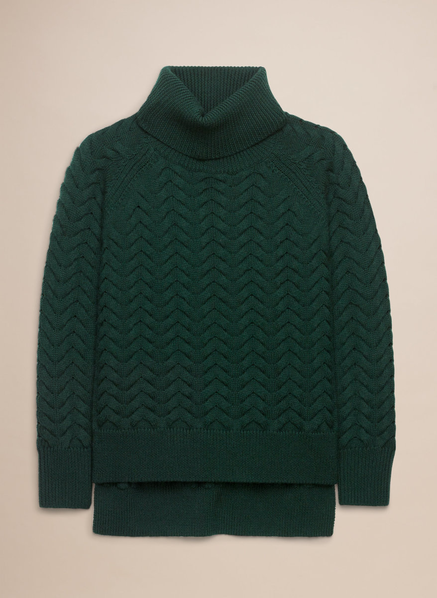 Wilfred Free Lin sweater in Varsity, $195, available at Aritzia.