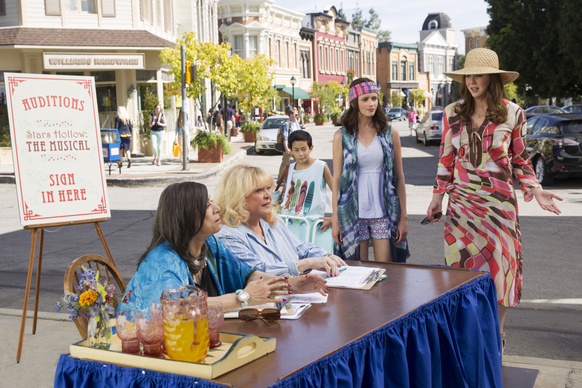 Miss Patty (Liz Torres), Babette (Sally Struthers), Rory and Lorelai prepare for another Stars Hollow original production. Photo: Photo: Saeed Adyani/Netflix