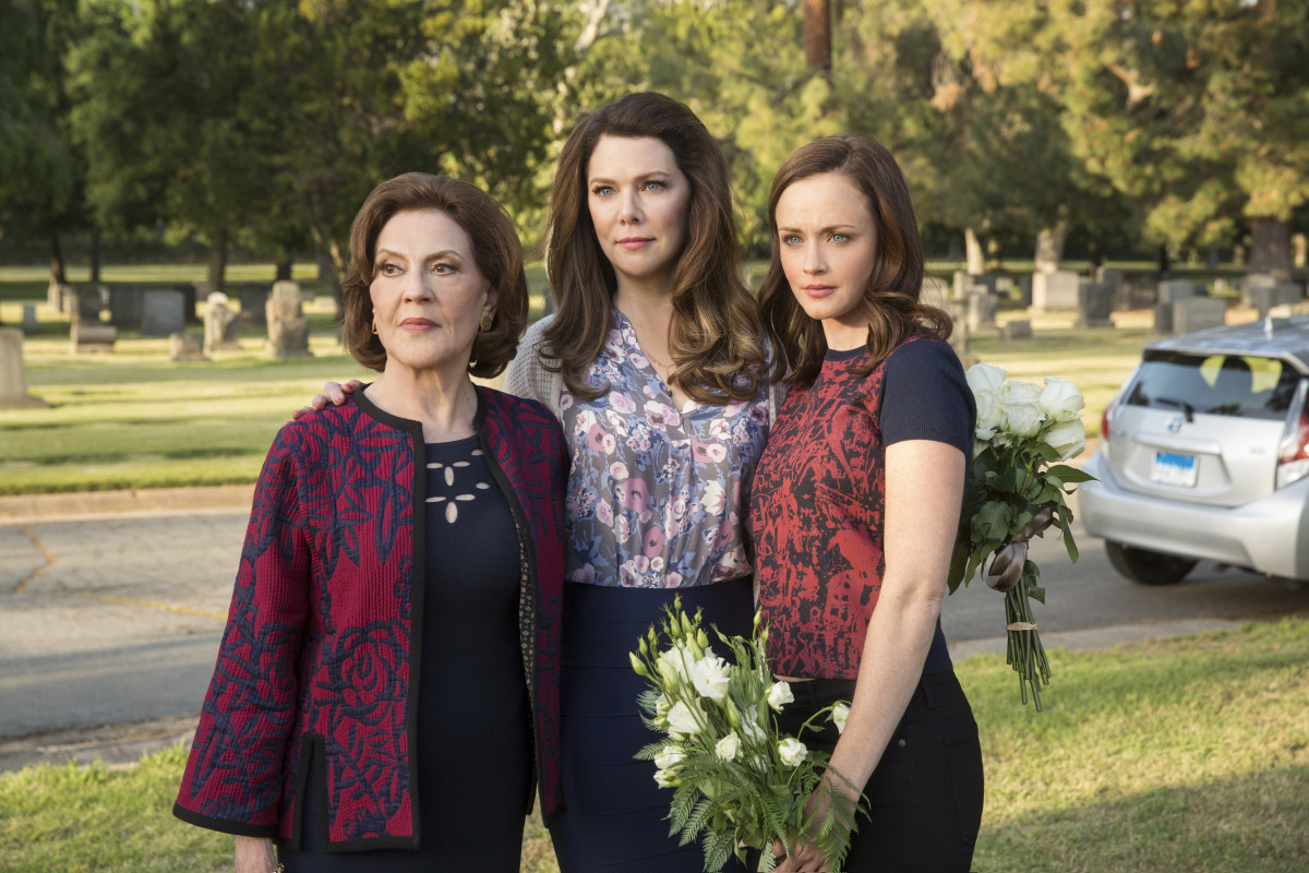 Emily (Kelly Bishop), Lorelai and Rory at Richard's funeral. Sob. Photo: Saeed Adyani/Netflix
