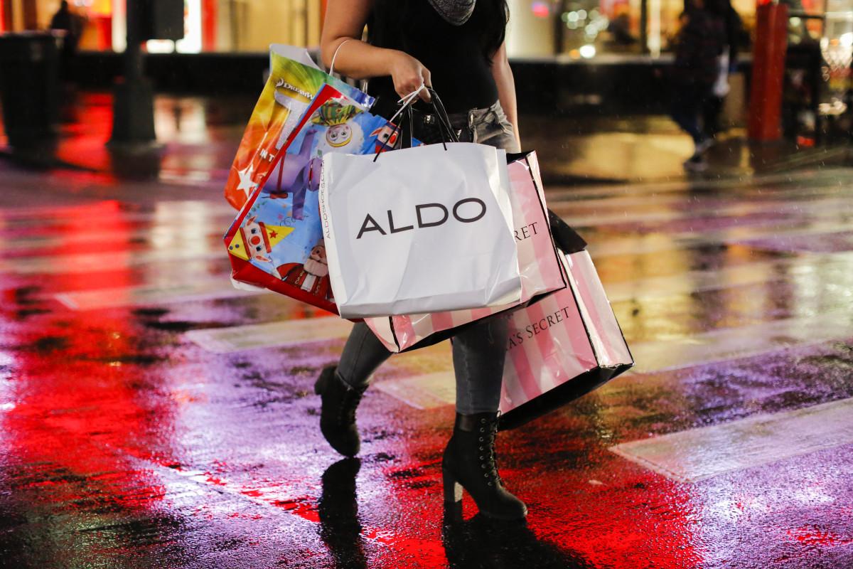 A shopper on Black Friday in New York City.Photo:Eduardo Munoz Alvarez/Getty Images