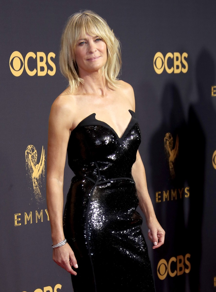Robin Wright in Thierry Mugler at the 2017 Emmys. Photo: Dan MacMedan/Getty Images
