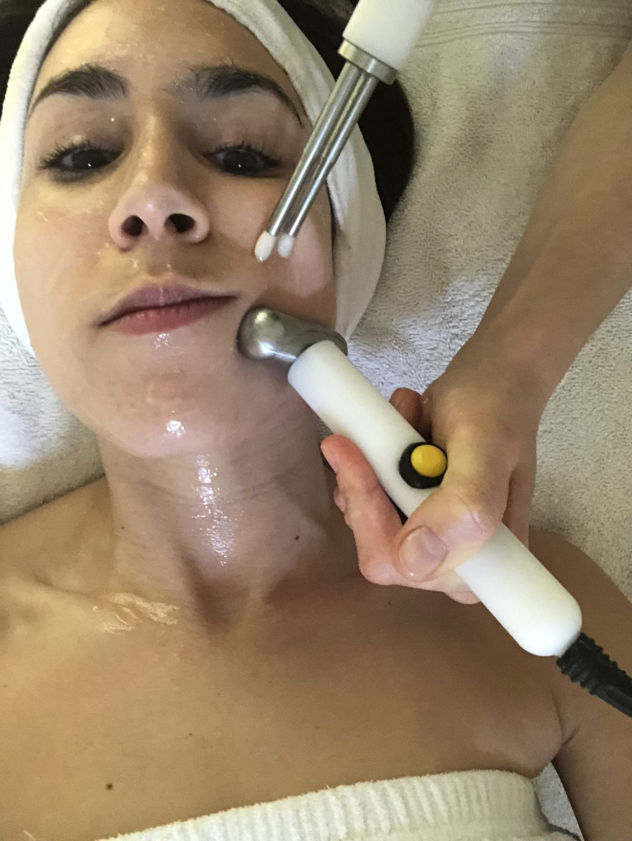 Acupuncture Facial Microcurrent Treatment