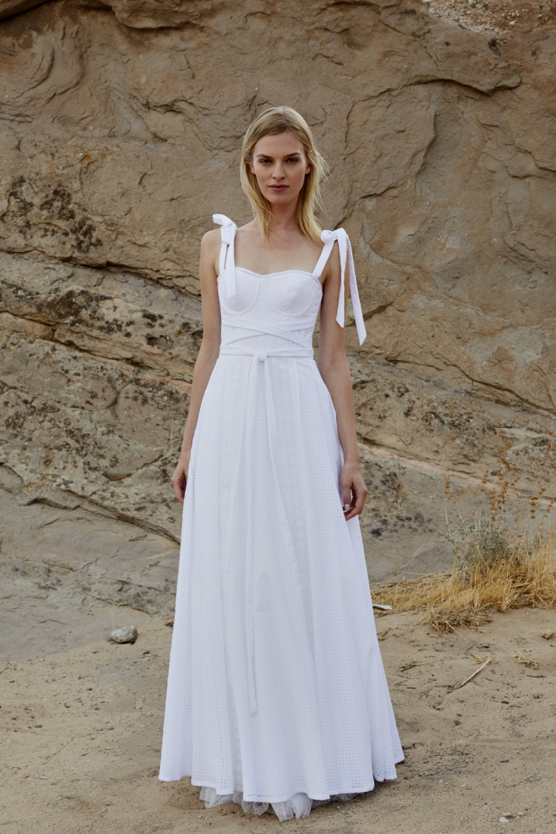 The 11 best wedding looks for spring 2019 fashionista a look from savannah millers spring 2019 bridal collection photo courtesy junglespirit Choice Image