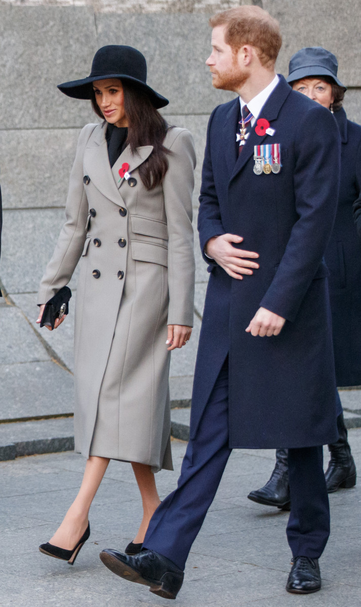 Prince Harry and Meghan Markle attend an Anzac Day dawn service at Hyde  Park Corner in 16b2a40a410f