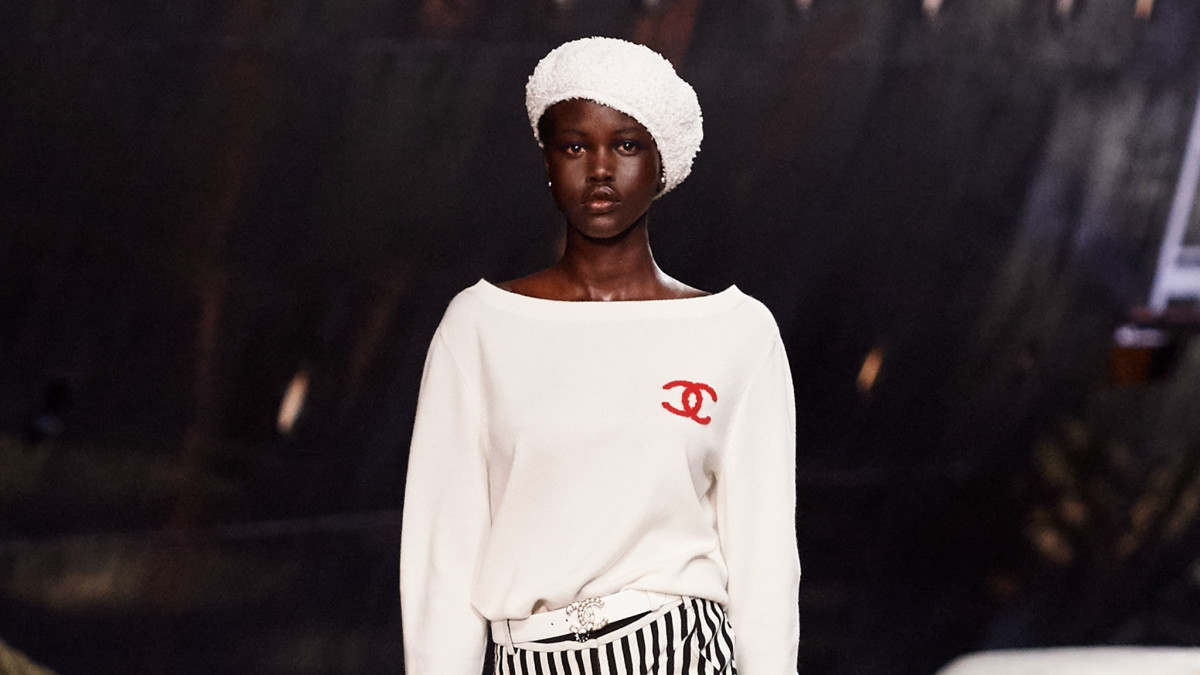Chanel Cruise 2019 Review Runway Collection Fashionista