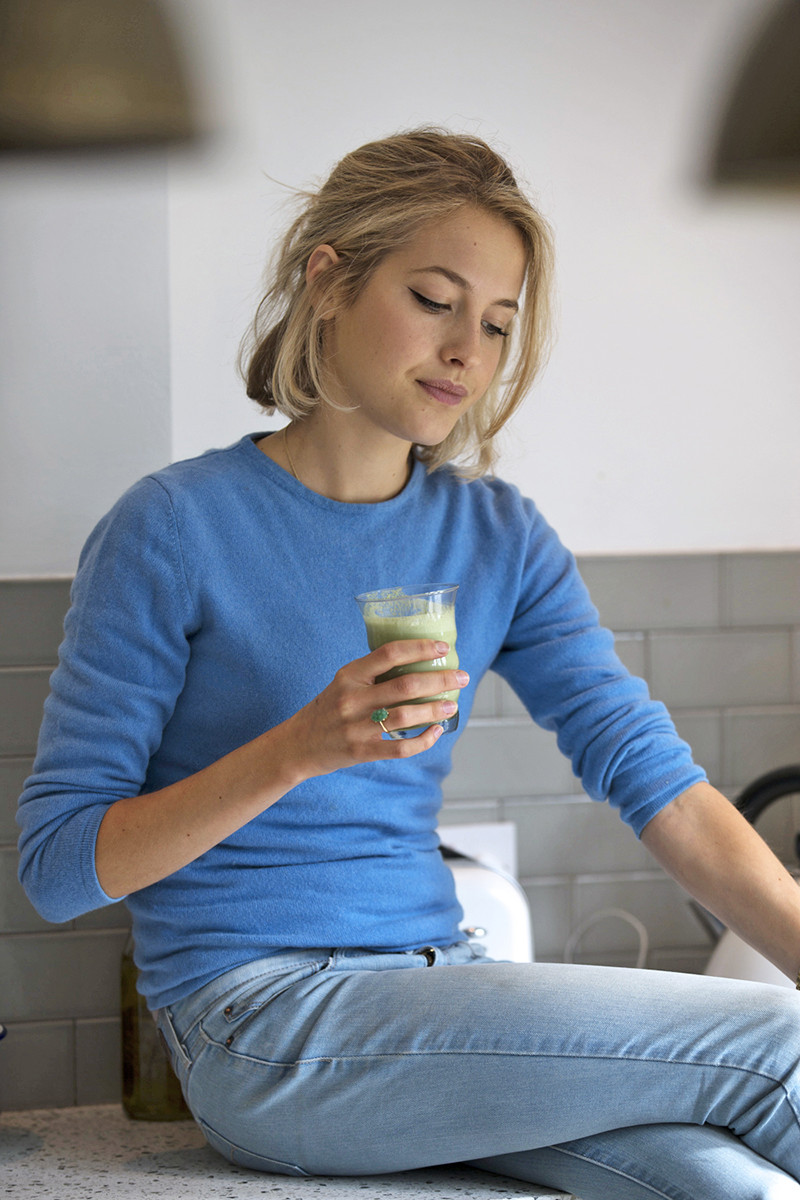 Tess Ward and a green juice. Photo: Courtesy