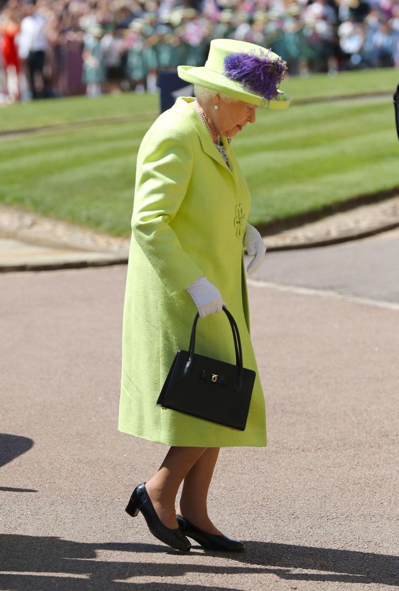 Prince Harry Meghan Markle Royal Wedding Queen Elizabeth II Dress ...