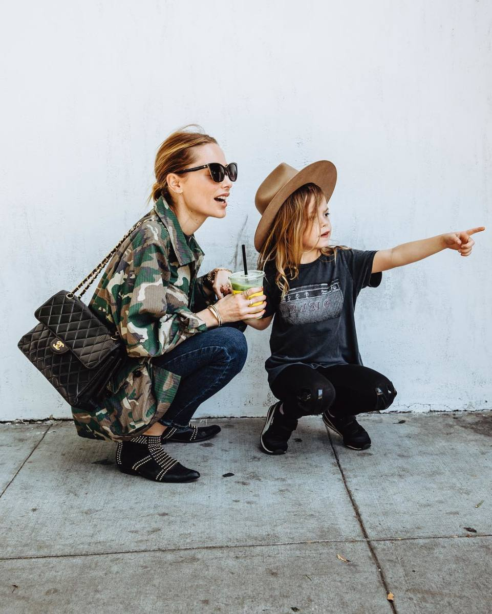 Anine Bing with her daugther. Photo: @bingkids/Instagram
