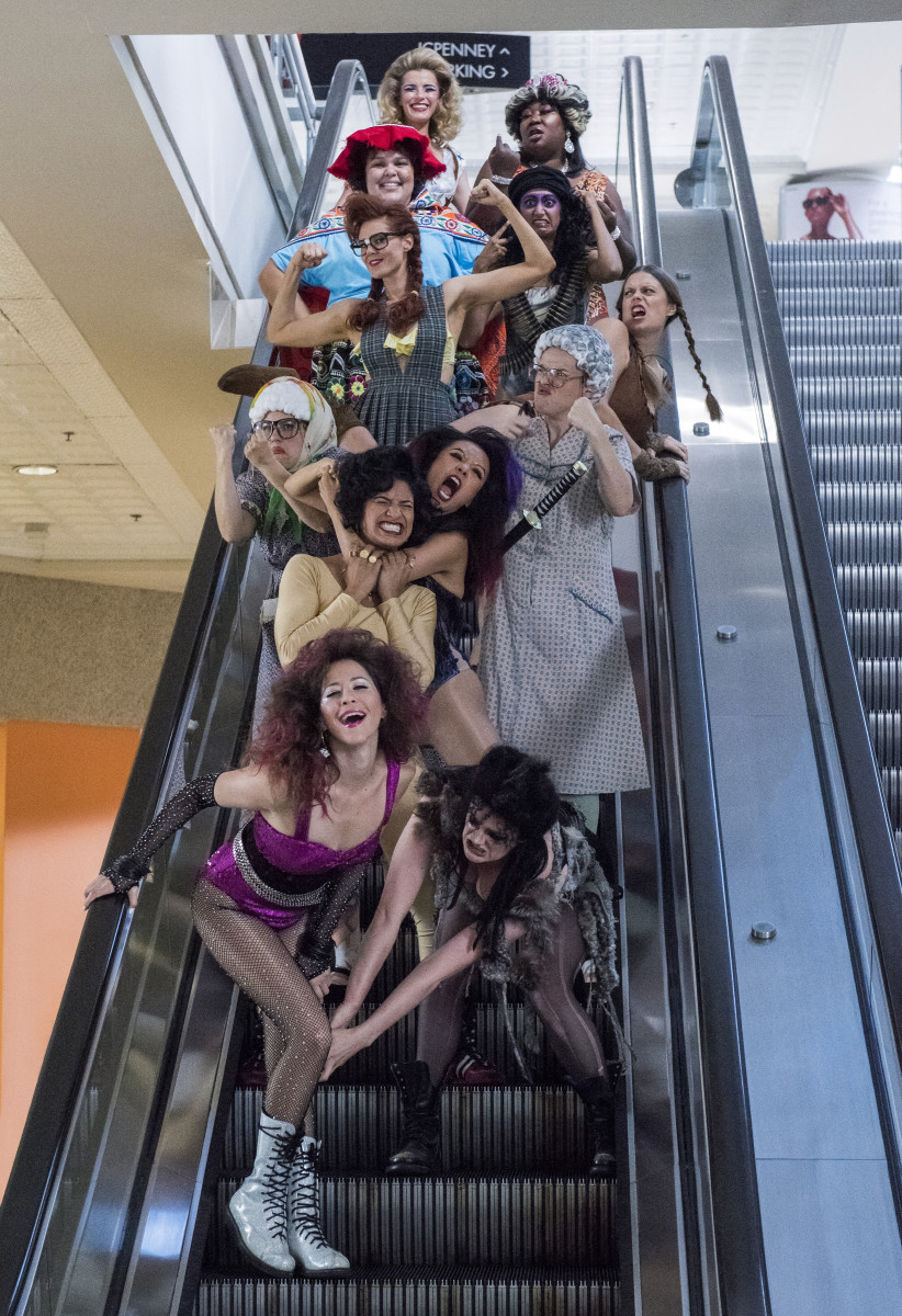 Melrose (Jackie Tohn), Sheila (Gayle Rankin), Jenny (Ellen Wong), Yoyo (Shakira Barrera), Stacey (Kimmy Gatewood), Dawn (Rebekka Johnson), Reggie (Marianna Palka), Rhonda (Kate Nash), Carmen (Britney Young), Arthie (Sunita Mani), Debbie (Betty Gilpin), Tammé (Kia Stevens). Photo:Erica Parise/Netflix