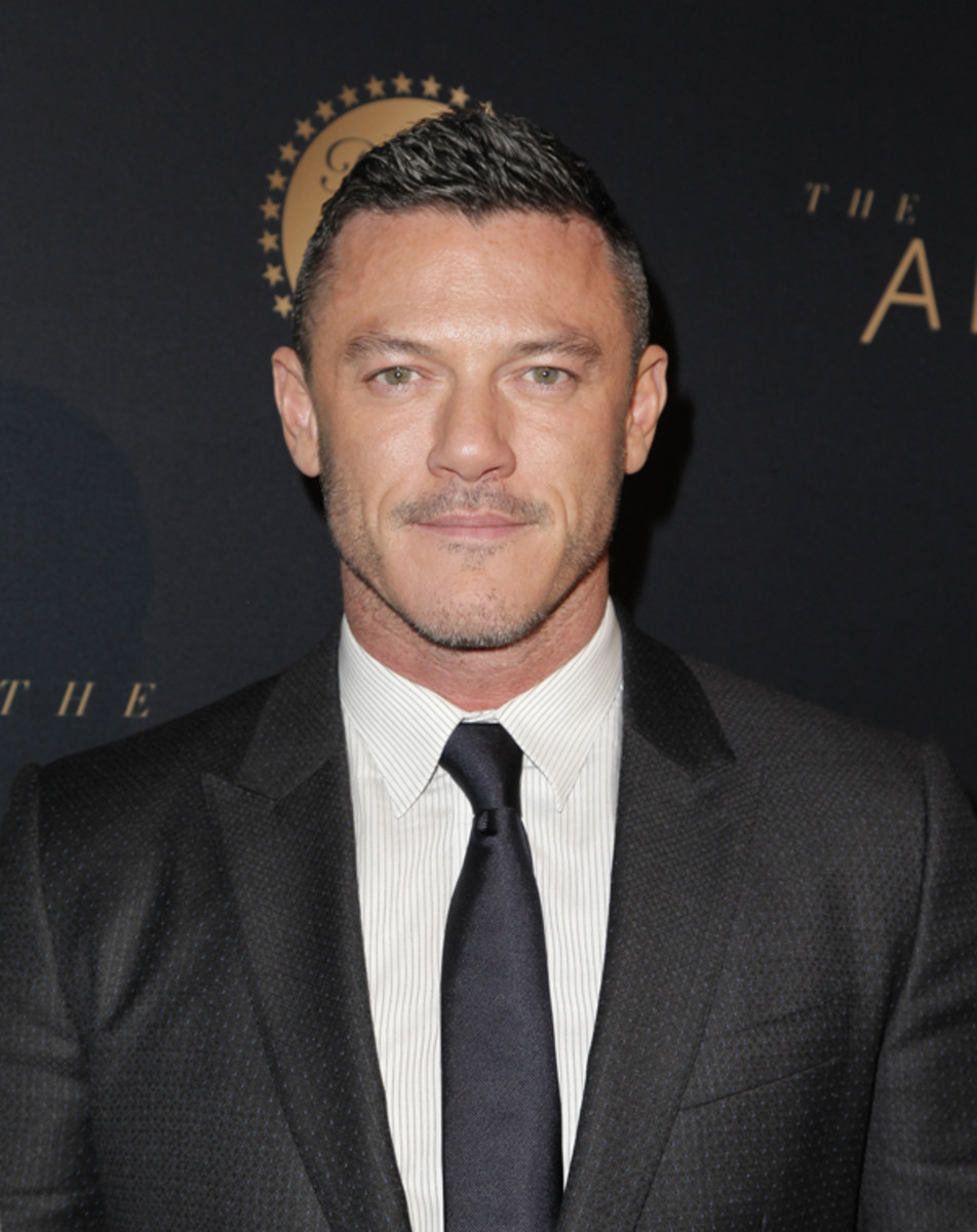 "Luke Evans and his Tom Ford-groomed brows at the Los Angeles premiere of ""The Alienist."" Photo: Tibrina Hobson/Getty Images"