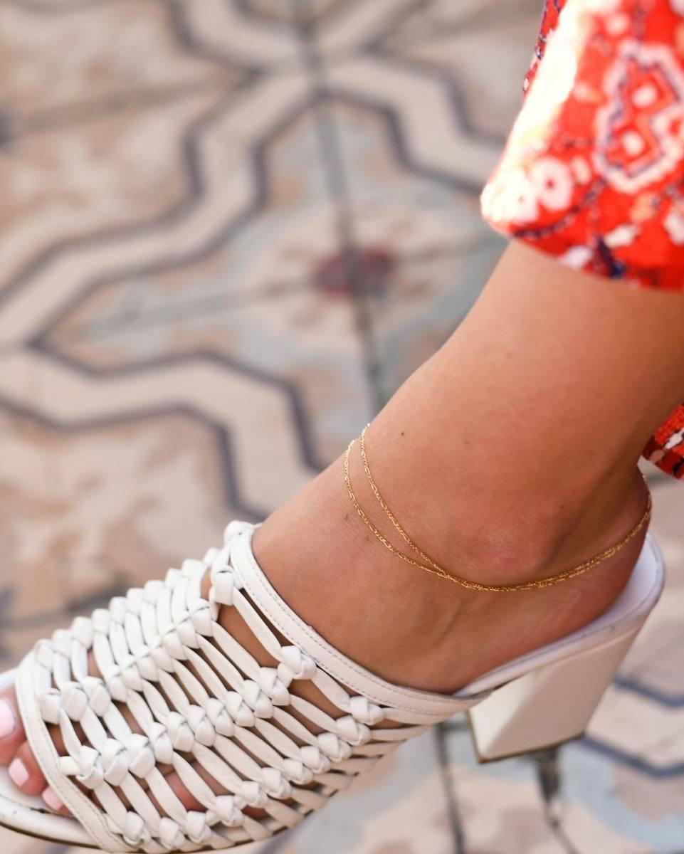 Anklets. Photo: @arielgordonjewelry/Instagram