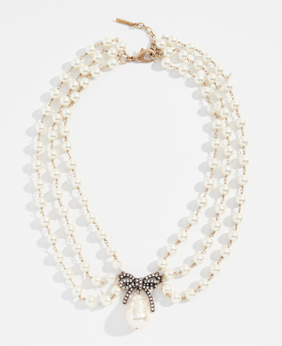 Marc Jacobs pearl statement collar necklace, $375, available here.