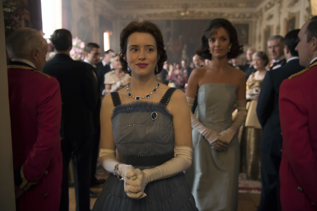 Queen Elizabeth II (Claire Foy) and Jackie Kennedy (Jodi Balfour). Photo: Alex Bailey/Netflix