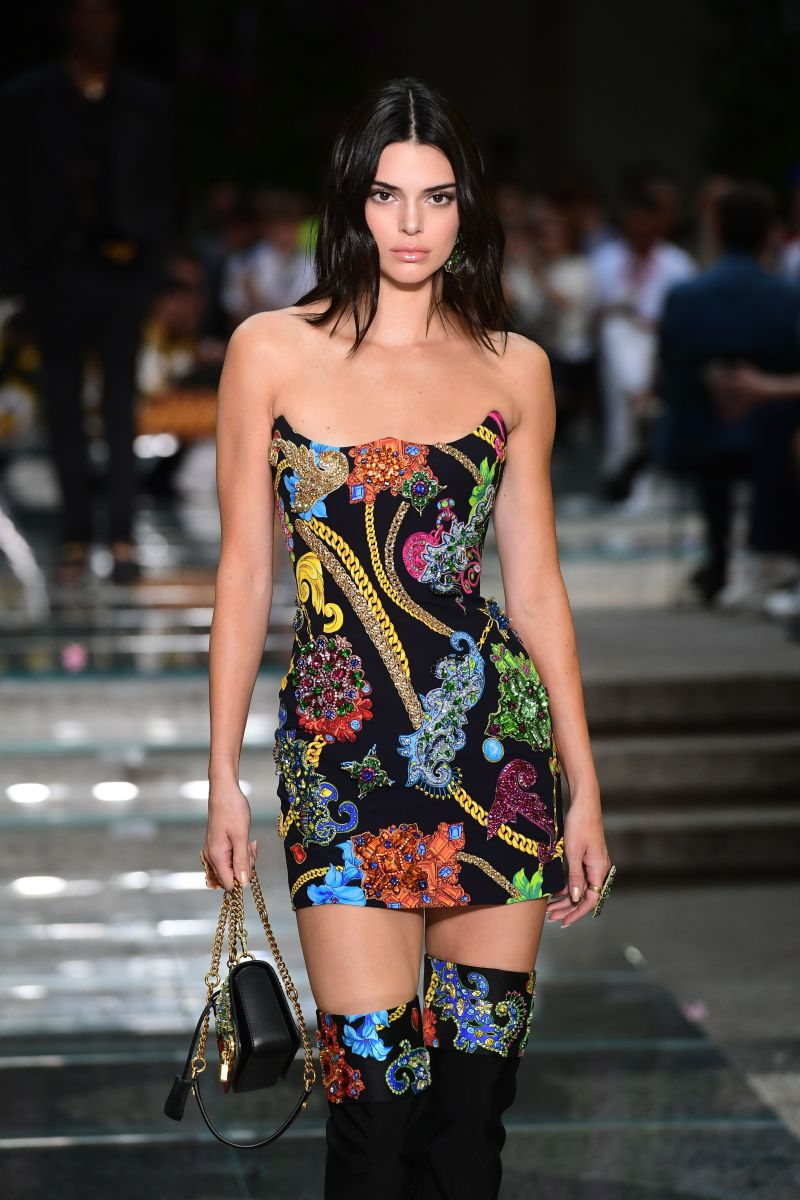 Kendall Jenner walking in the men's and women's Spring 2019 Versace show. Photo: Miguel Medina/AFP/Getty Images