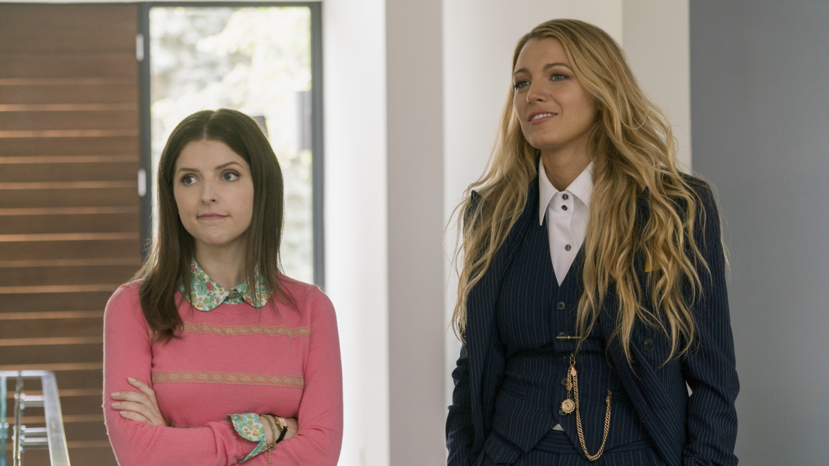 Stephanie Smothers (Anna Kendrick) and Emily start off on their awkward playdate. Photo: Peter Iovino