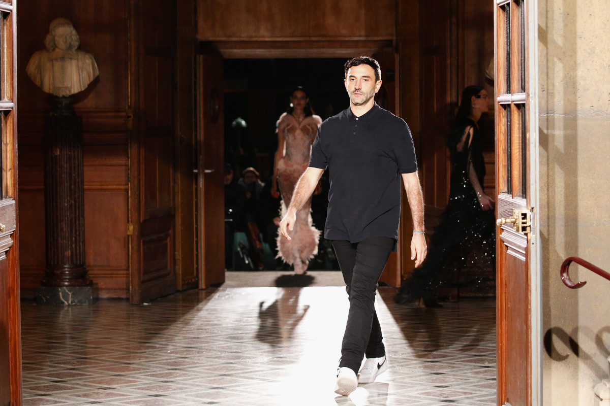 a3aab7821059 Must Read  What to Expect From Riccardo Tisci s Burberry