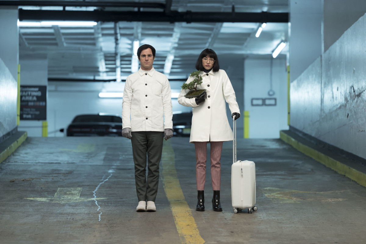 Dr. Mantleray (Justin Theroux) and Dr. Fujita (Sonoya Mizuno).Photo: Michele K. Short/Netflix