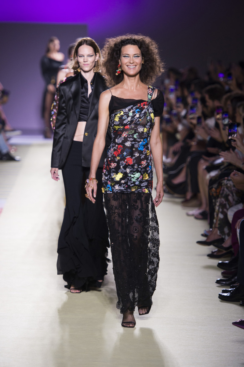 0cb5f897b68 See Every Look From Versace s Spring 2019 Collection - Fashionista