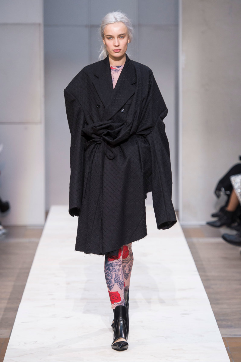 A look from Comme des Garçons's Spring 2019 collection. Photo: Imaxtree