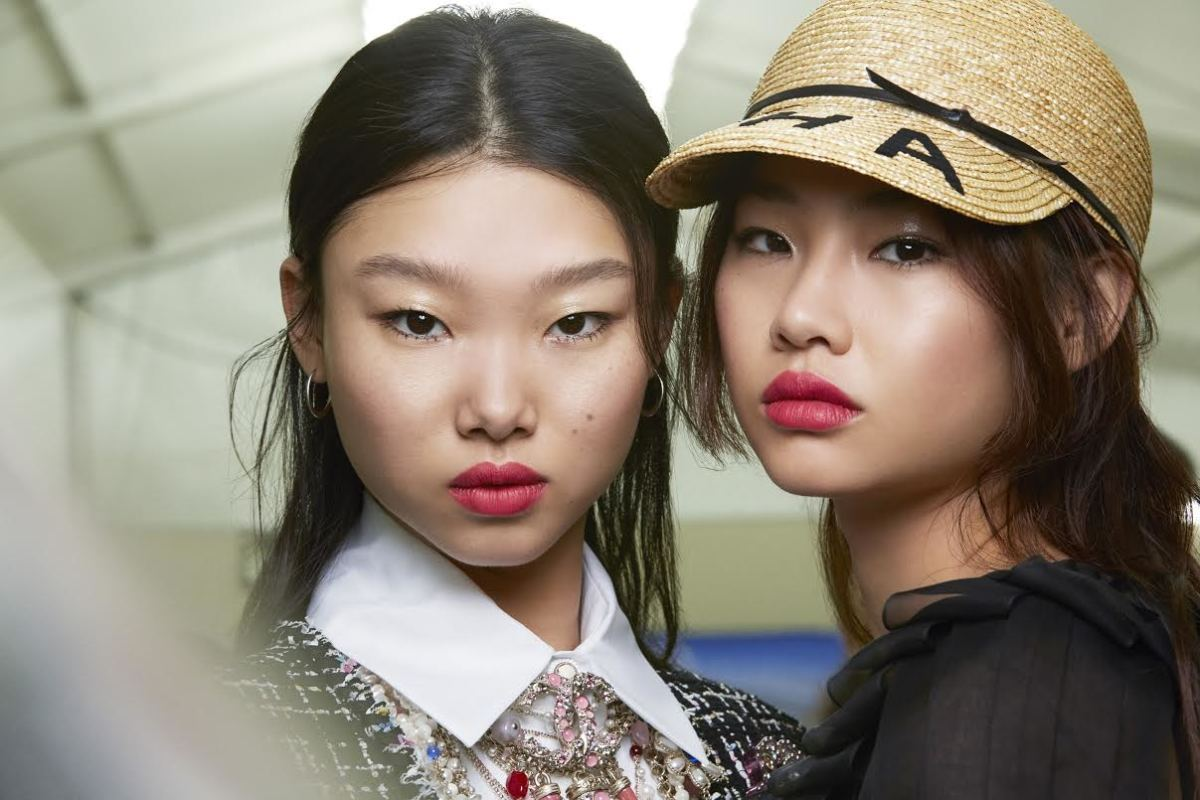 The beauty look at Chanel's Spring 2019 show. Photo: Benoît Peverlli/Chanel