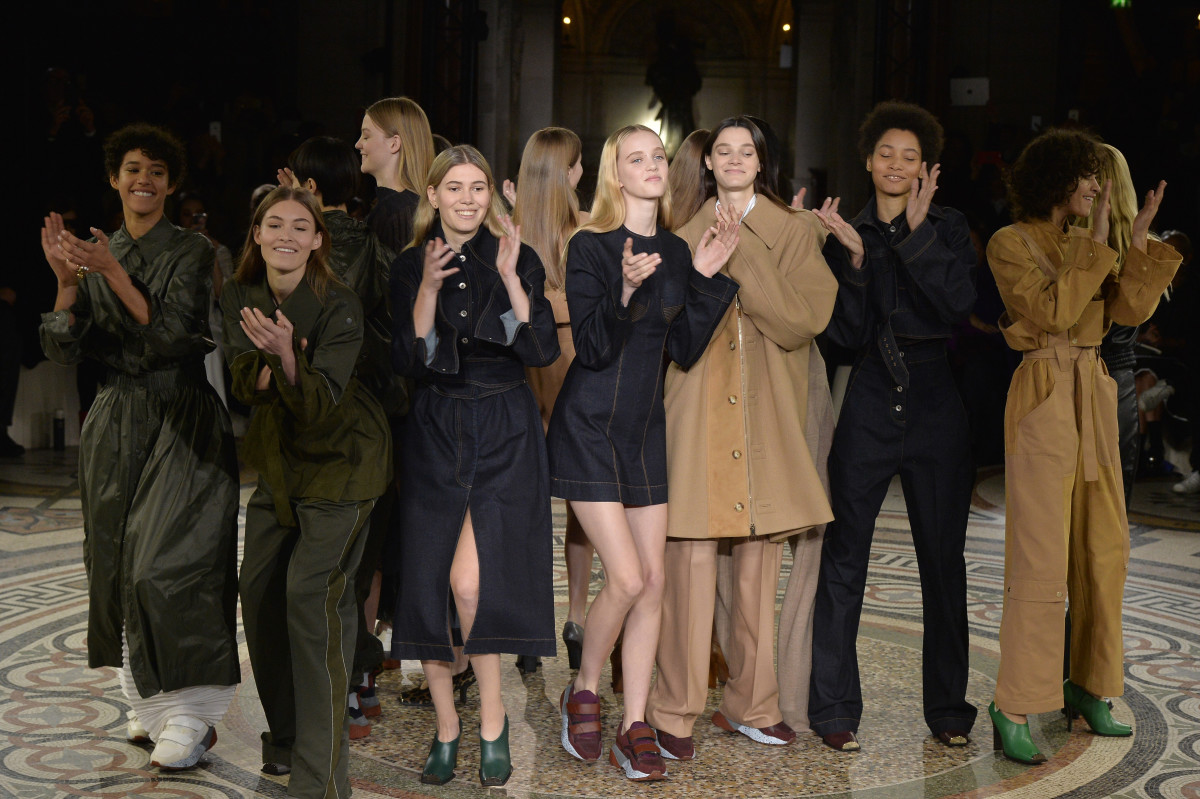 Gals getting down at Stella McCartney's Fall 2017 runway show. Photo: Catwalking/Getty Images