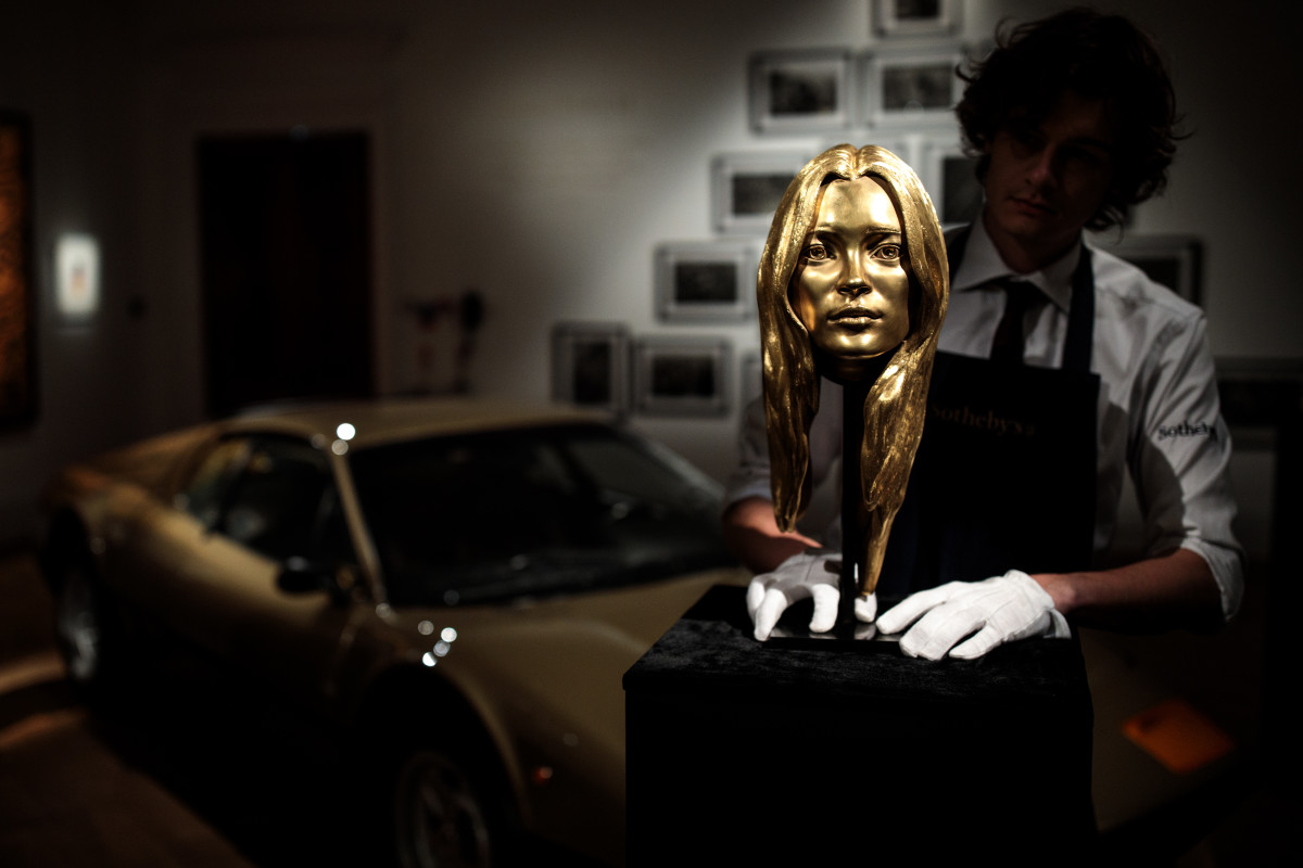 """18-karat gold """"Head of Kate Moss"""" sculpture by Marc Quinn. Photo: Jack Taylor/Getty Images"""