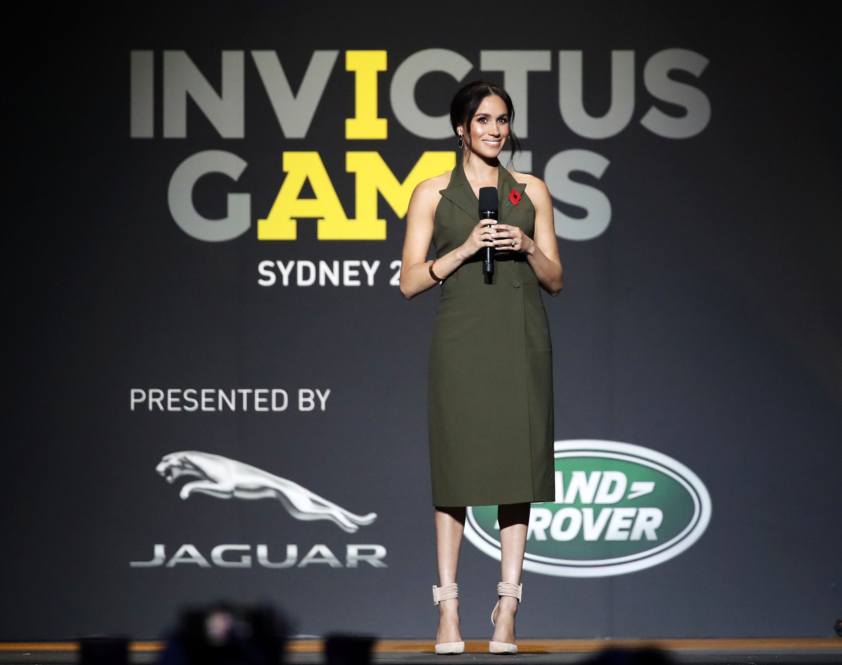 The Duchess of Sussex speaks on stage during the 2018 Invictus Games Closing Ceremony in Sydney, Australia. (Photo: Mark Kolbe/Getty Images for the Invictus Games Foundation)