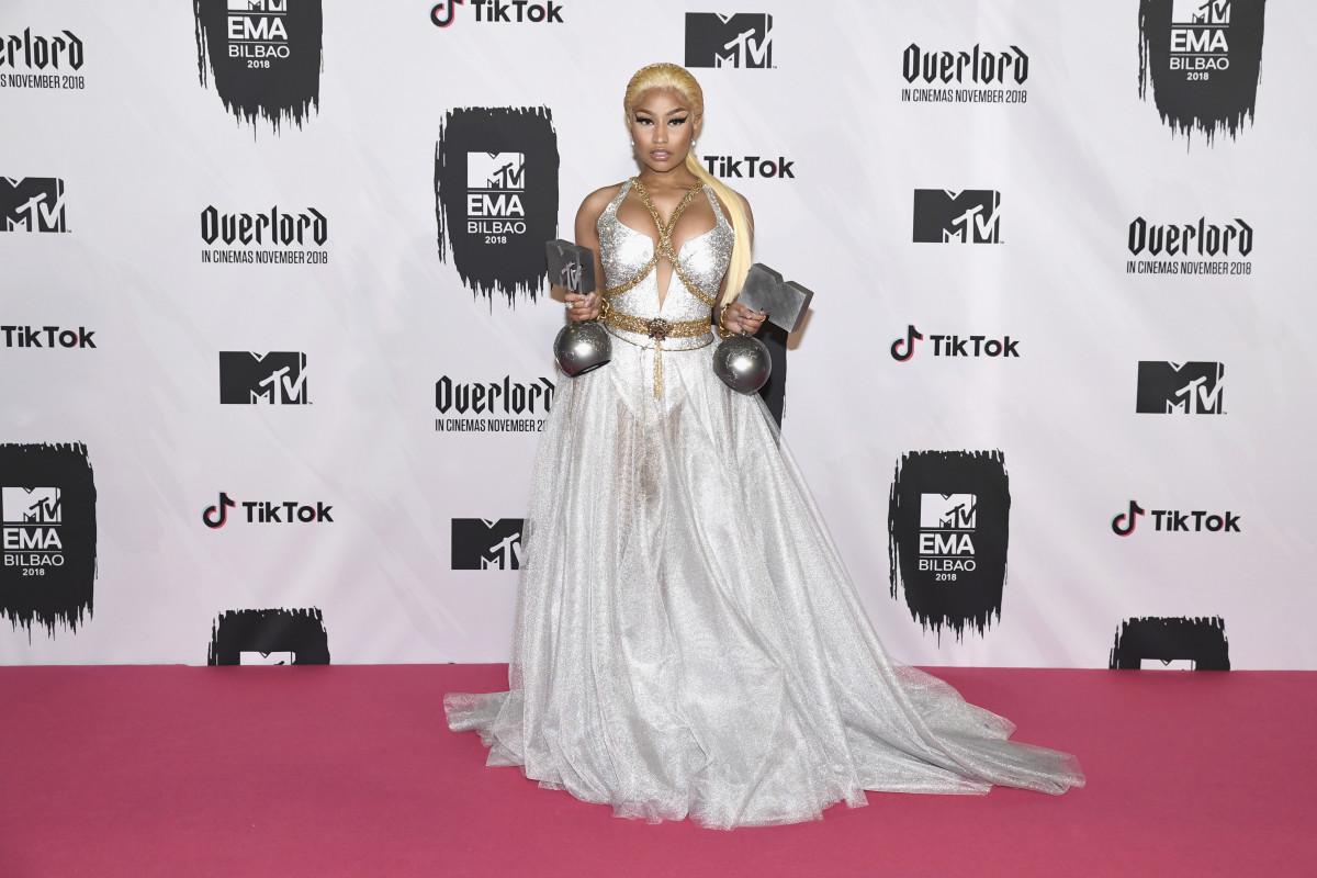 Nicki Minaj in Versace. Photo: Carlos Alvarez/Getty Images