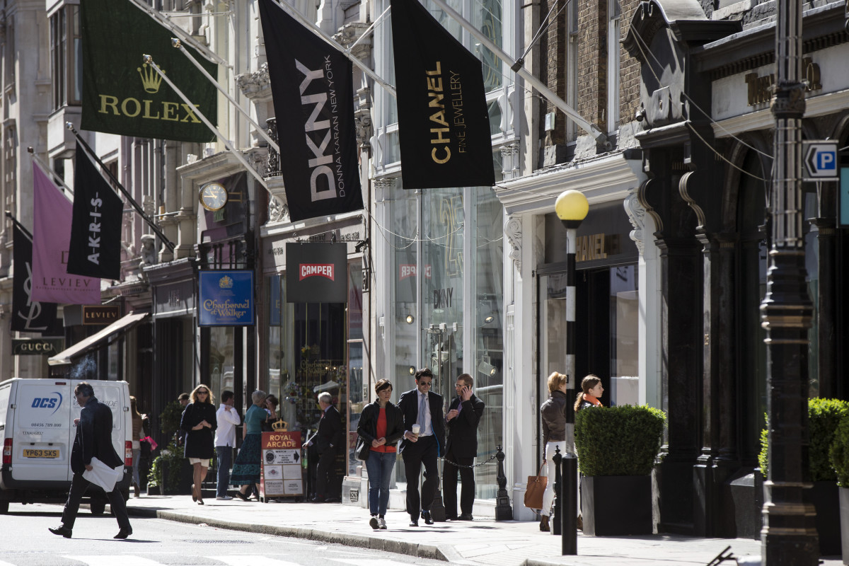 Luxury stores on Bond Street in London. Photo: Oli Scarff/Getty Images