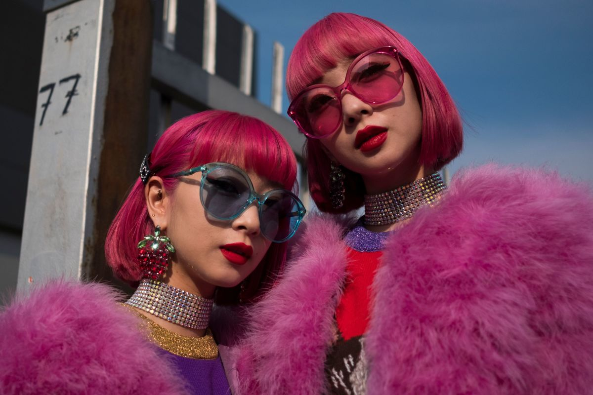 Showgoers outside Gucci's Fall 2018 runway show during Milan Fashion Week. Photo: Marco Bertorello/AFP/Getty Images