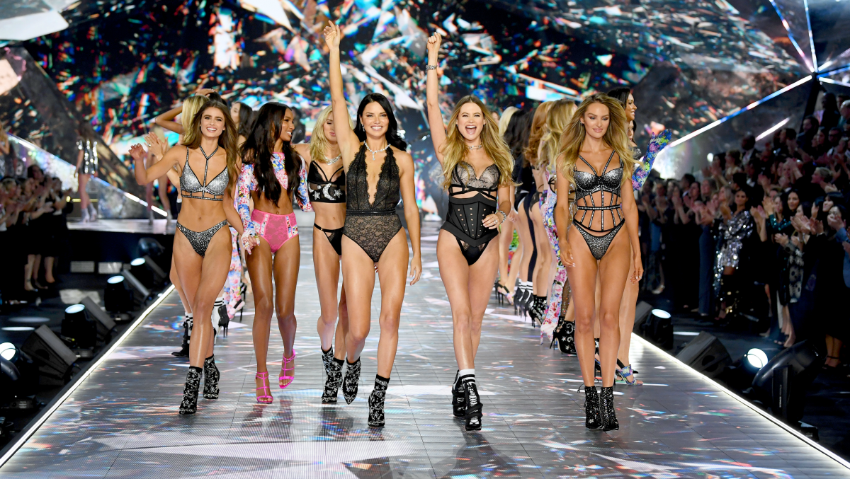 Every Look Outfit From The 2018 Victoria S Secret Vs