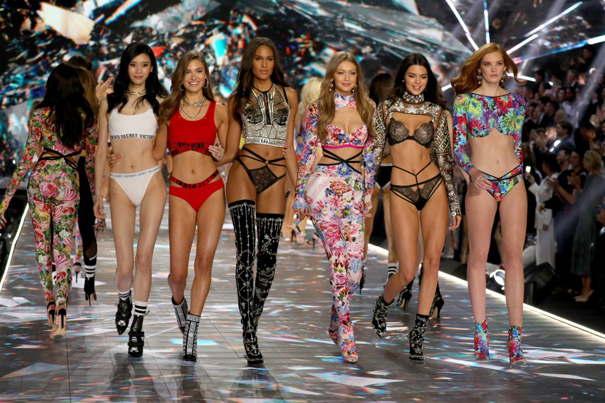 81b280f919d The 2018 Victoria's Secret Fashion Show finale. Photo: Thomas  Concordia/Getty Images