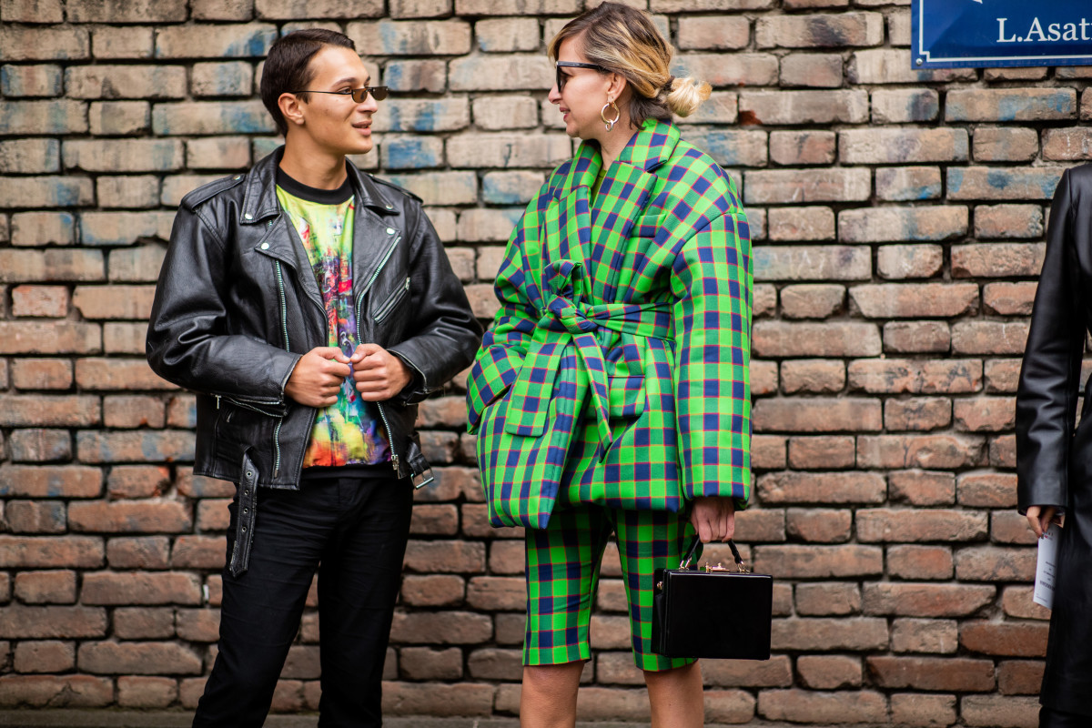 Street style at Mercedes-Benz Fashion Week Tbilisi. Photo: Christian Vierig/Getty Images