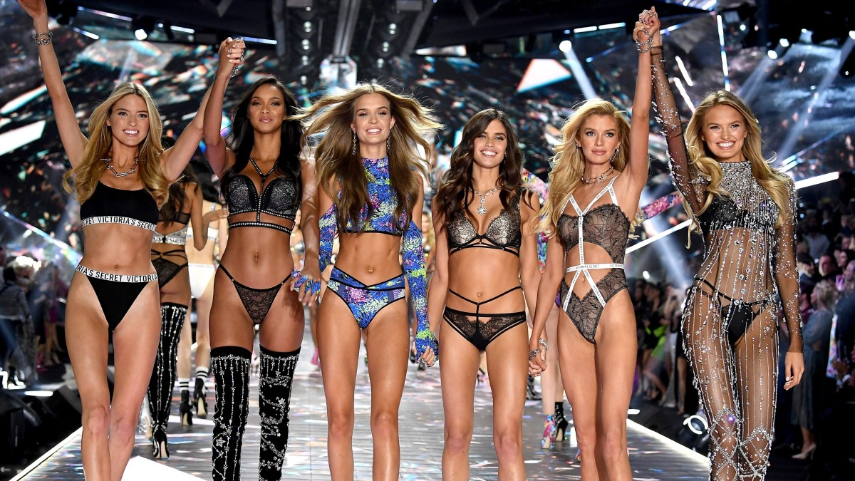 premium selection 985df d583a The Victoria's Secret Fashion Show Will No Longer Air on ...