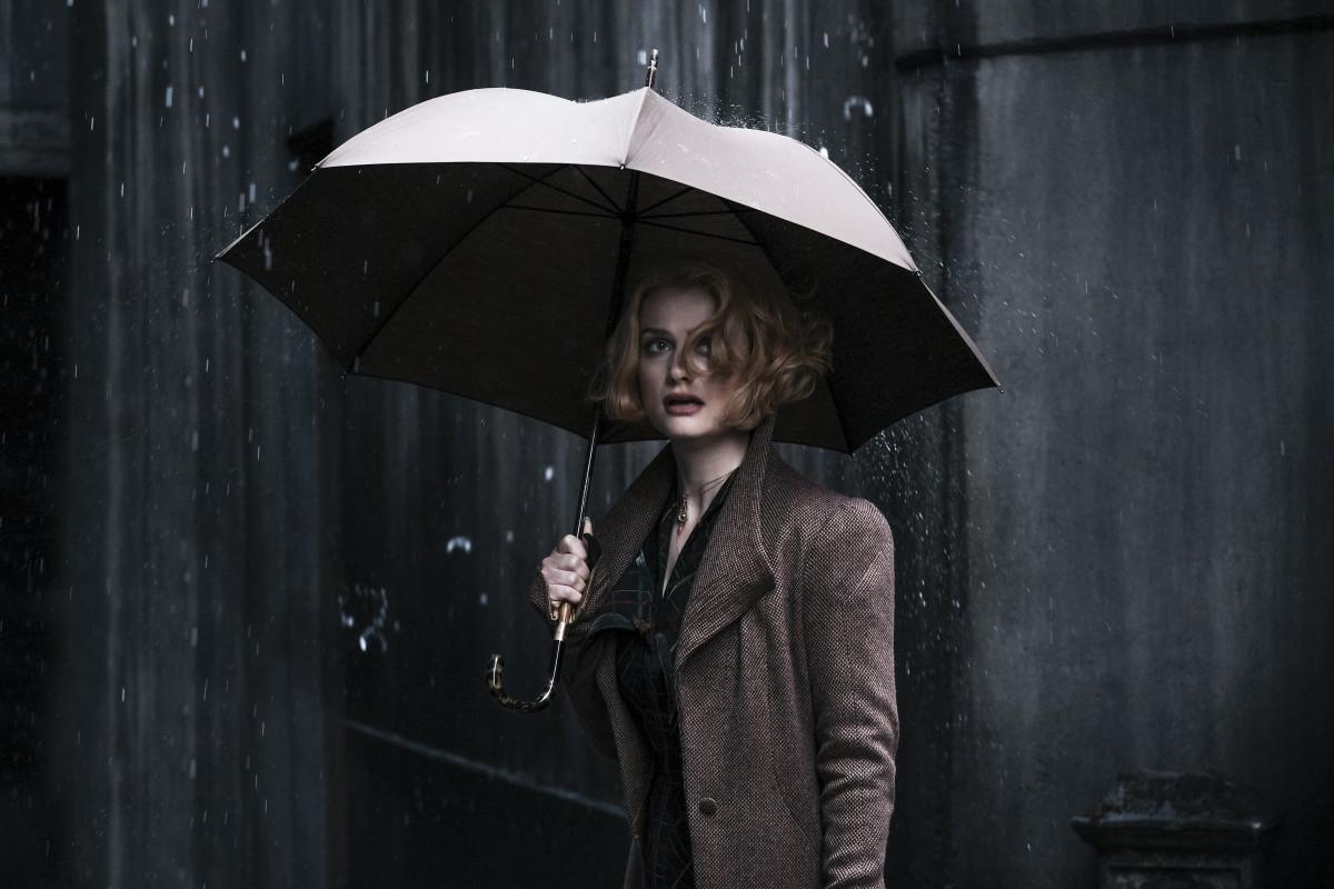 Queenie (Alison Sudol).Photo: Jaap Buitendijk/Courtesy of Warner Bros. Pictures