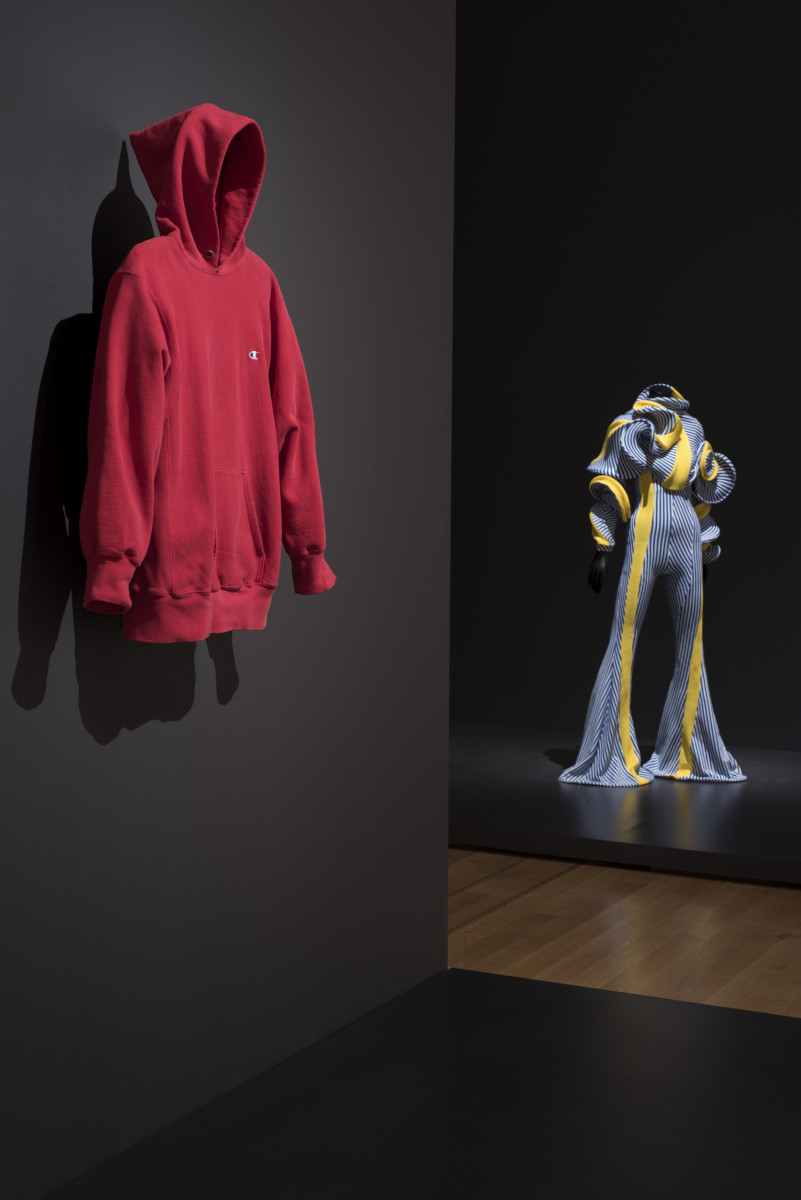 Installation view of 'Items: Is Fashion Modern?' The Museum of Modern Art, New York, October 1, 2017-January 28, 2018. © 2017 The Museum of Modern Art. Photo: Martin Seck