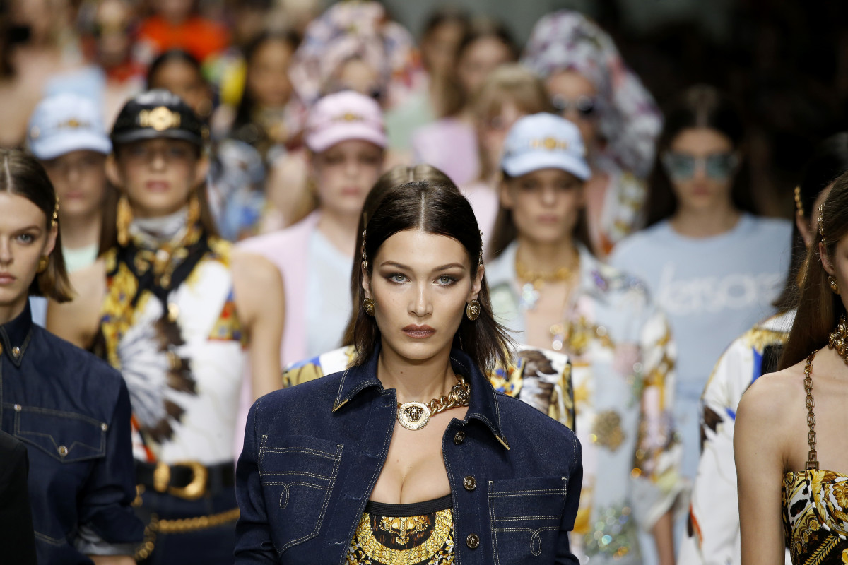 The finale of Versace's Spring 2018 runway show. Photo: Estrop