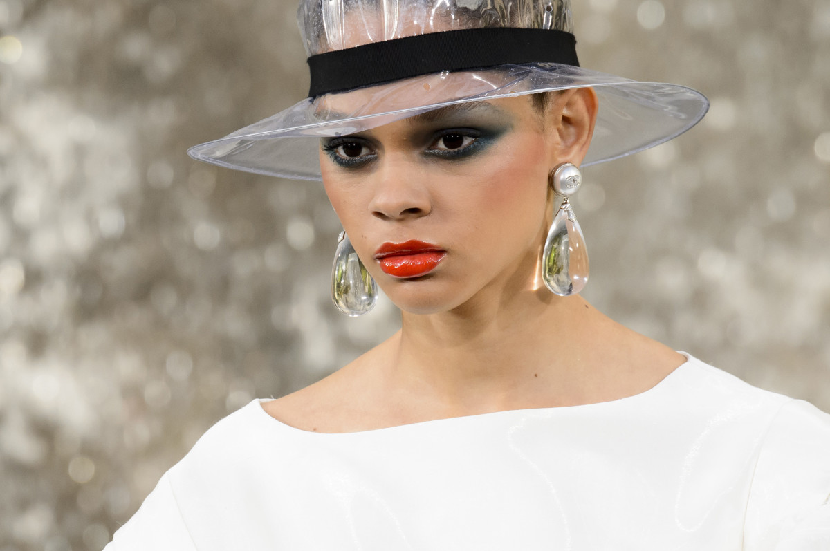 The makeup look from Chanel's Spring 2018 runway. Photo: Imaxtree