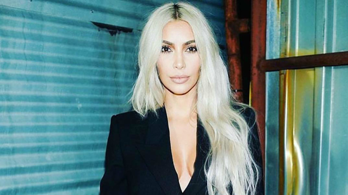 0edd278bd50d4 Watch Hairstylist Chris Appleton Break Down the Undone Waves He Gave Kim  Kardashian - Fashionista