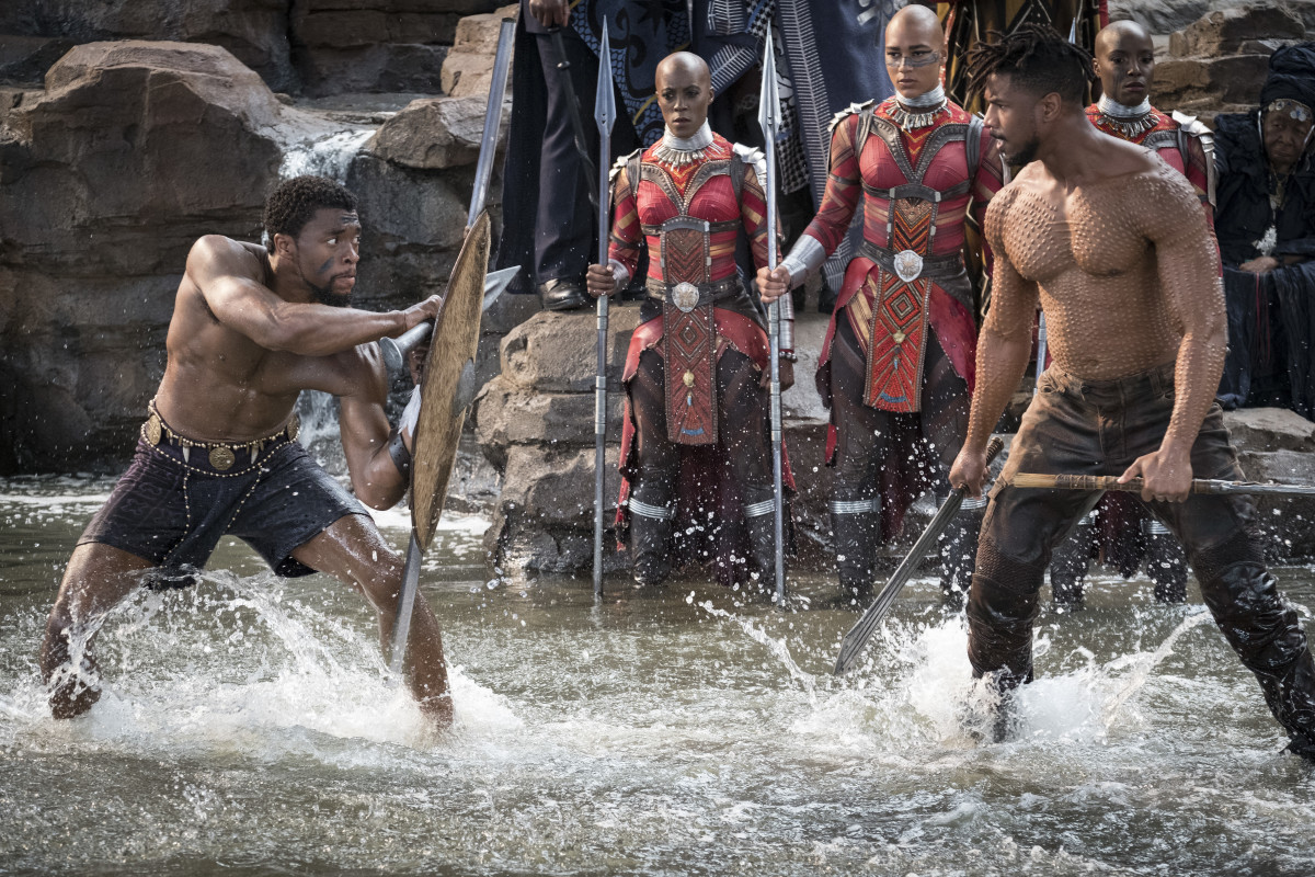 Shameless teaser: T'Challa (Chadwick Boseman) fights Killmonger (Michael B. Jordan) as the Secret Service looks on. Photo: Matt Kennedy ©Marvel Studios 2018
