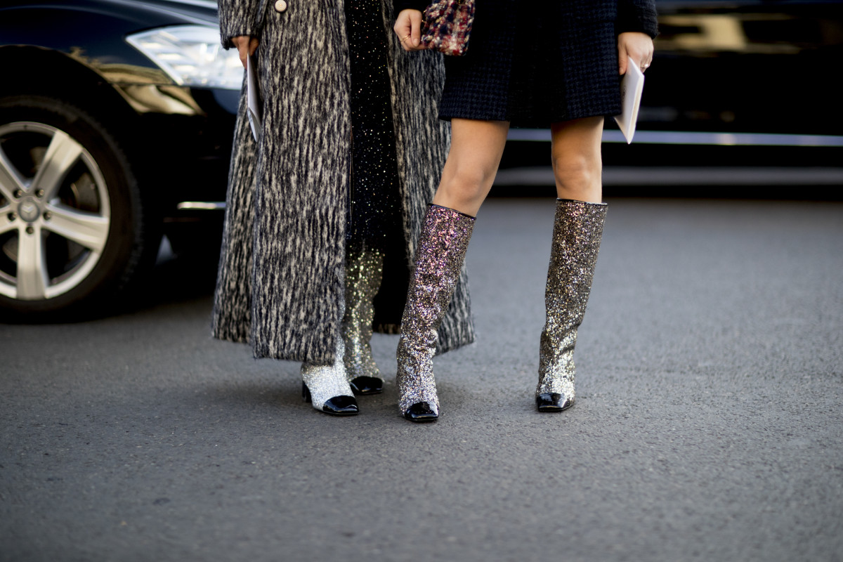 Spring 2017 Beauty Trend Report How To Wear Glitter: 13 Pairs Of Knee-High Boots To Kick It In This Fall