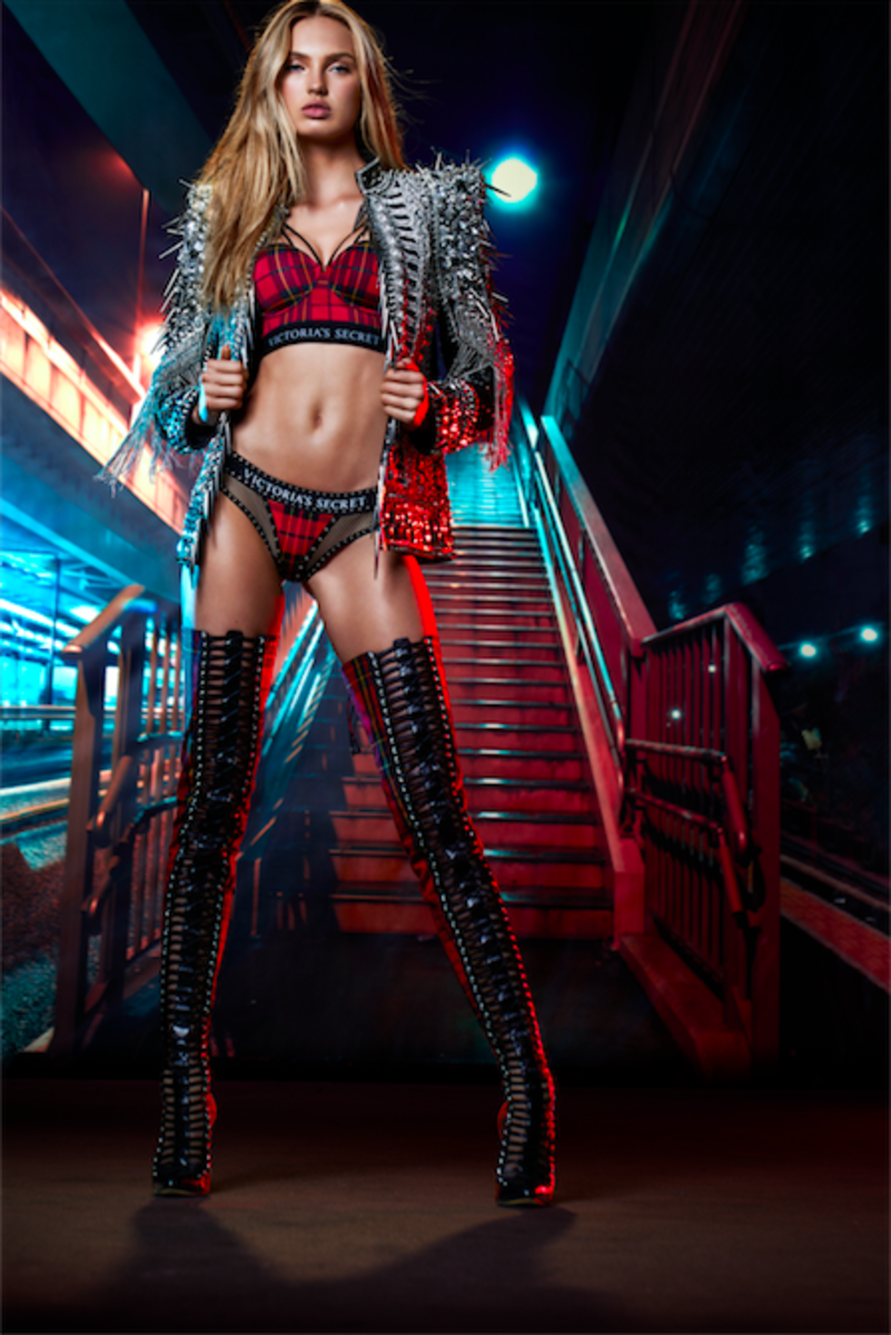 Victoria's Secret Angel Romee Strijd in Victoria's Secret x Balmain. Photo: Victoria's Secret